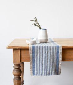 Leinen rustikale Tischläufer mit blauen Streifen von LinenTales