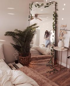 Luxury beautiful diy fairy light for minimalist bedroom decoration 30 Wun. Luxury beautiful diy fairy light for minimalist bedroom decoration 30 Wunderschönes DIY-Lic Cute Room Ideas, Cute Room Decor, Comfy Room Ideas, Room Ideas Bedroom, Bedroom Inspo, Cozy Bedroom, Hippy Bedroom, Bedroom Corner, Diy Home Decor Bedroom