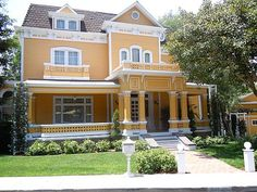 Gabrielle's house on Wisteria Lane