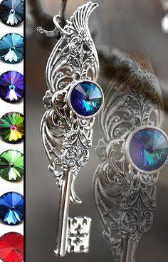 Realm of Dreams Key Necklace by KeypersCove on Etsy Key Jewelry, Gothic Jewelry, Jewelry Accessories, Jewelry Making, Unique Jewelry, Key Necklace, Necklaces, Key To My Heart, Key Pendant