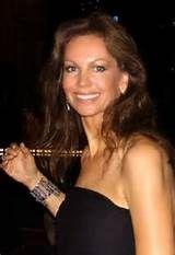 Margaret Gardiner, Miss Universe het in Woodstock grootgeword. Sy was 18 toe sy hierdie titel verower het. Tans werk sy as 'n joernalis in Los Angeles. Beautiful People, Beautiful Women, Ageless Beauty, Workout Schedule, Sexy Older Women, Beauty Pageant, Beauty Queens, Fitness Tips, Fashion Beauty