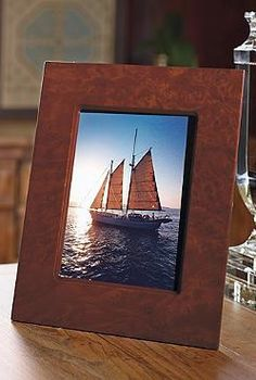 The iPad Photo Frame secretly uses your iPad to show off your favorite photos of your family, friends, or even your latest enviable vacation.
