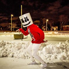 If it walks like a duck and talks like a duck it's probably a marshmello Music Love, Music Is Life, Marshmello Wallpapers, Dj Alan Walker, Marshmello Dj, Dj Electro, Itslopez, I Love Games, Edm Music