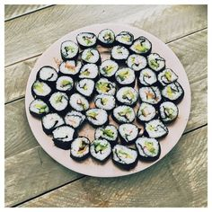 Homemade sushi op de redactie. YUM!!