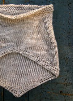 Bandana Cowl Free Pattern! Notes from someone who made it: use chunky yarn and bigger needle than the pattern calls for otherwise it comes out child sized.