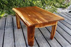 Une table basse par Toutenbois - Un petit cadeau pour un copain qui m'a aider à trouver du tamarin.  C'est une petite table, extraite d'une planche un peu vrillée et d'un bout de tronc, merci à ceux qui mon conseillé pour l'esthétique,...
