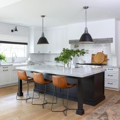 There are a wide range of kitchen island choices to consider. For anybody hoping to have more space in the kitchen zone, a kitchen island is an extraordinary kitchen furniture piece. Kitchen Post, Kitchen Living, New Kitchen, Kitchen Decor, Kitchen Sink, Living Room, Home Interior, Interior Design Kitchen, Home Design