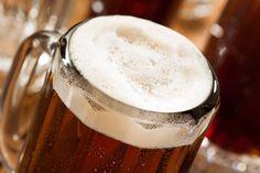 ***¿Cómo hacer Cerveza de Raíz?*** Aprende a hacer cerveza de jengibre casera, refrescante e ideal para usar como base para cócteles deliciosos.....SIGUE LEYENDO EN...... http://comohacerpara.com/hacer-cerveza-de-raiz_12297c.html