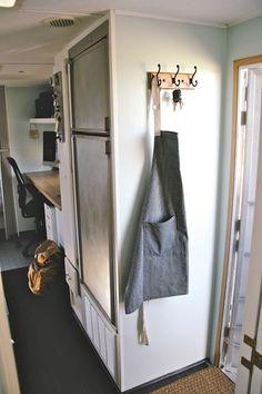 Wilderness camper reno - entryway after
