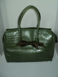 "Vintage Vinyl Faux Alligator/Crocodile Purse with ""The Limited"" label inside in Good Vintage Condition, Larger Sized Handbag and zipper open by RRGS on Etsy https://www.etsy.com/listing/160487612/vintage-vinyl-faux-alligatorcrocodile"