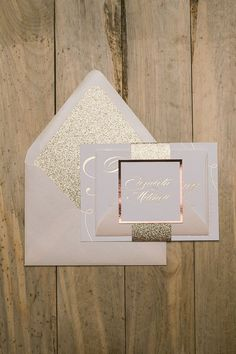 LAUREN Suite Glitter Package, now available in ROSE GOLD foil stamping! We paired it up with rose gold glitter for an amazing blush and rose gold combination for your wedding!
