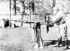 Type 4 20mm Twin AA Machine Cannon was equipped with two guns of Type 98 20mm AA. It was introduced in 1944 and approx. 500 guns were produced.