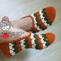 PATİK DÜNYASI & HANDMADE SOCKS (@emelhobievi) | Instagram photos and videos Crochet Slipper Pattern, Crochet Slippers, Bead Crochet, Diy Crochet, Crochet Patterns, Crochet Flip Flops, Shoe Art, Crochet For Beginners, Crochet Stitches