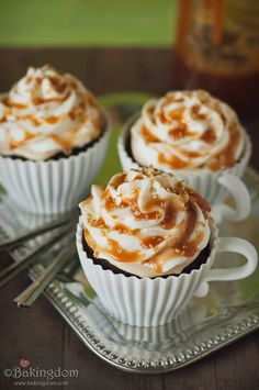 Starbucks Salted-Caramel-Mocha-Cupcakes   GREAT fall dessert!