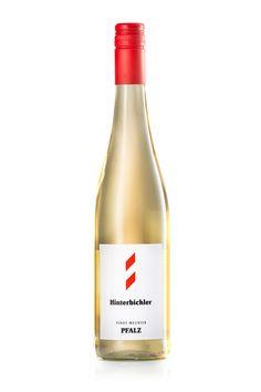TROCKEN - ZART - SAFTIG Was ein tolles Zeugs. Blanc de noir ist eine ganz eigene 'Farbe' für Wein und Hibi's Blanc de Noir aus der roten Schwarzriesling-Traube ist das Paradebeispiel dafür. Trocken und doch zart, die saftige Frucht...