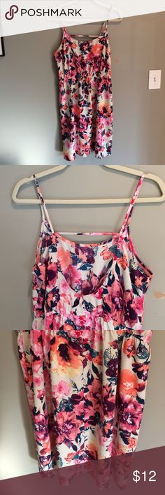 Forever 21 contemporary dress 100% polyester dress. Only worn once! Forever 21 Dresses