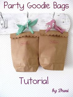 These are so cute!  Very versatile. Duni's Studio: Kraft Paper Gift Bags - Tutorial