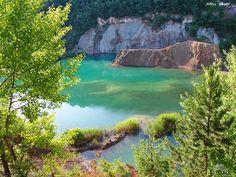 Az észak-magyarországi Rudabánya elsősorban a 12 millió éves emberszabású majom maradványairól – a világhírű Rudapithecus-leletekről – az emberré válás egy fontos mérföldkövéről lehet ismerős. A híres leleteken túl az egykor virágzó bányászvárosnak egy különleges természeti látványossága is van. Itt található ugyanis hazánk legmélyebb állóvize a Rudabányai bányató (Tengerszem). Türkizkék, kristálytiszta vizű tó különleges atmoszférájú hely,egyedülálló …