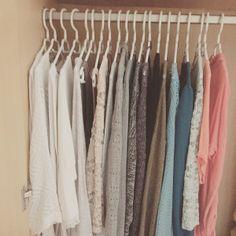 Capsule Wardrobe - Tipps und Tricks für das Zusammenstellen einer minimalistischen Garderobe.