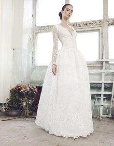 https://sklep.bizuu.pl/pl/bridal,19,product,21,sylvana,198.html