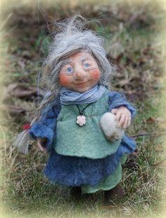 Sirin needle / wet felted Gnome 9 von FairyfeltbySiSo auf Etsy