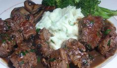 These Tender, Juicy Sirloin Steak Tips Are Slow Cooked With A Rich & Savory Gravy Then Served On Top Of Creamy, Garlic Mashed Potatoes…. I love making these Sirloin Steak Sirloin Steak Recipes, Steak Tips, Sirloin Tips, Sirloin Steaks, Beef Tenderloin, Tenderloin Tips Recipe, Pork Chops, Garlic Mashed Potatoes, Mashed Potato Recipes