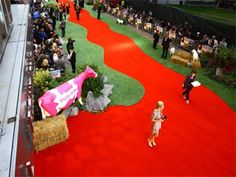 Amazing use of artificial grass at a red carpet event!