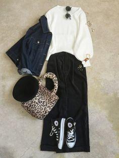 Denim Fashion, Women's Fashion, Denim Style, Fashion Colours, Ladies Fashion, Aurora, Casual Outfits, Lady, Skirts