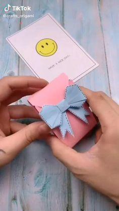 Cool Paper Crafts, Paper Crafts Origami, Diy Paper, Fun Crafts, Crafts For Kids, Diy Wallet Paper, Diy Origami Cards, Origami Art, Paper Cards