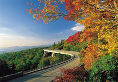 Blue Ridge Parkway in the Applachian Mountains of Boone, North Carolina.