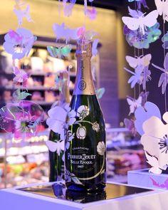 How about some flowers and lullabies? #FloraSuperMarkets #Mykonos #perrierjouetbelleepoque #perrierjouet #perrierjouët #champagne #champagnes #champagnelover #champagne #interiordesign #supermarketinterior #mykonosisland #mykonosgreece Mykonos Island, Mykonos Greece, Perrier Jouet, Belle Epoque, Champagne, Flora, Table Decorations, Instagram, Plants