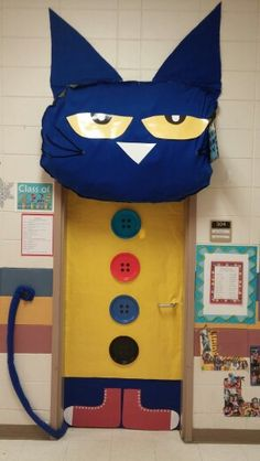 Pete the Cat and his 4 groovy buttons classroom door