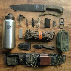 "1,682 Likes, 13 Comments - Greg (@scablands_bushcraft) on Instagram: ""@eseeknives @titansurvival #survival #kleankanteen #knivesofinstagram #survival #flatlay…"""