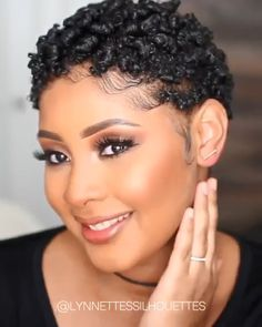 The most inspiring short natural hairstyle for black women Short Afro Hairstyles 4c Natural Hairstyles Short, Tapered Natural Hair, Pelo Natural, Short Curly Hair, Black Women Hairstyles, Short Hair Cuts, Curly Hair Styles, Black Hairstyle, Tapered Twa Hairstyles