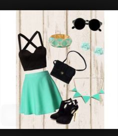 I love the top! I'm into cropped tops all of a sudden