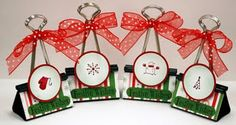 Cool Christmas Place Card Holders Ideas With Paper Clips Christmas . Christmas Place Cards, Christmas Minis, Christmas Projects, Holiday Crafts, Holiday Fun, Christmas Decorations, Christmas Ideas, Holiday Ideas, Christmas Favors
