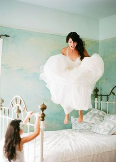 16 of the best not-so-posed wedding photos! - Wedding Party. This would be cute with Eleese on the bed too