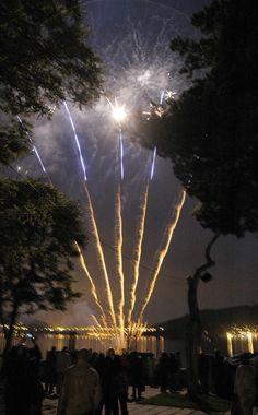 Fogos para celebrar Os Premios Xerais na Illa de San Simón 2005