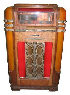 juke box Vintage Music, Retro Vintage, Antique Record Player, Radios, Radio Antigua, Music Machine, Phonograph, Compact Disc, Box Art