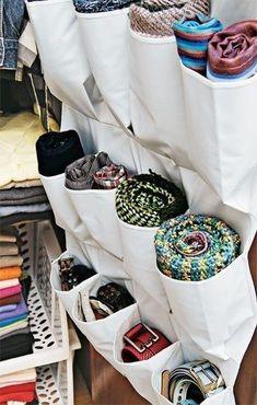 Olha quem está aqui novamente! O organizador de bolsos pode guardar seus cintos e cachecóis! #personalorganizer #organização