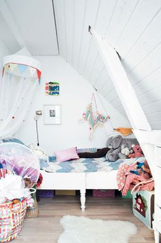 children's bedrooms with slanted ceilings