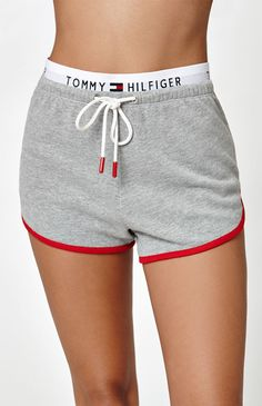 Give your casual style an update in the Retro Jogger Shorts by Tommy Hilfiger. These shorts boast a drawstring front with extended logo waistband, and a contrast trim. inseam Drawcord waist Contrast trim Logo waistband Model is wearing a medium Cute Lazy Outfits, Summer Outfits For Teens, Sporty Outfits, Teen Fashion Outfits, Kids Outfits, Tommy Hilfiger Leggings, Tommy Hilfiger Crop Top, Tommy Hilfiger Outfit, Shorts E Blusas