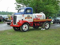 J COE passion photos: circus water tanker - Old Dodge Trucks, Cab Over, Busses, Classic Trucks, Monster Trucks, Commercial, Vans, Passion, Usa