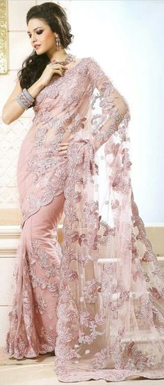 Buy Indian dresses online - the most fashionable Indian outfits for all occasions. Check out our new arrivals - the latest Indian clothes trending in Saris, Net Saree, Lehenga Choli, India Fashion, Asian Fashion, Gq Fashion, Indian Dresses, Indian Outfits, Beautiful Saree