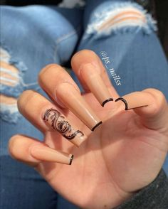 In search for some nail designs and some ideas for your nails? Here's our list of must-try coffin acrylic nails for cool women. Edgy Nails, Aycrlic Nails, Grunge Nails, Glam Nails, Stylish Nails, Hair And Nails, Coffin Nails, Beauty Nails, Halloween Acrylic Nails