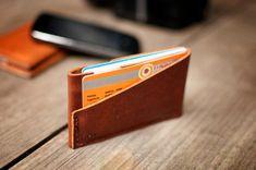 ENVÍO gratuito - hecho a mano de cuero titular de la tarjeta y monedero, Simple titular, titular minimalista, pequeño  detalle, titular de la tarjeta M 10 x 6.5