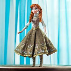 Disney has announced a set of limited-edition Frozen dolls that will go on sale soon.