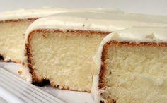 Mangio da Sola: White Cake with Vanilla Buttercream Frosting