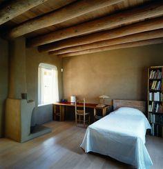 「ここはわたしの居場所」画家オキーフが本当に望んでいた人生――晩年の家をめぐる