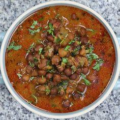 Jain Recipes, Veg Recipes, Gluten Free Recipes, Indian Food Recipes, Vegetarian Recipes, Vegan Meals, Ethnic Recipes, Black Channa Recipe, Chana Recipe